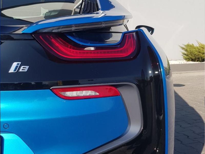 BMW i8- 4
