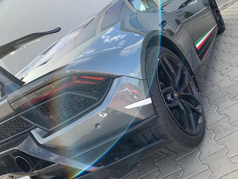Lamborghini Huracan- 4