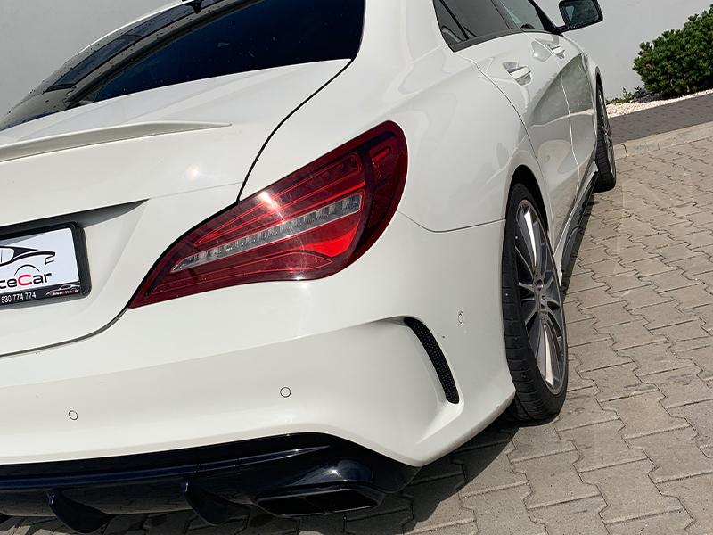 Mercedes CLA 45 AMG- 4