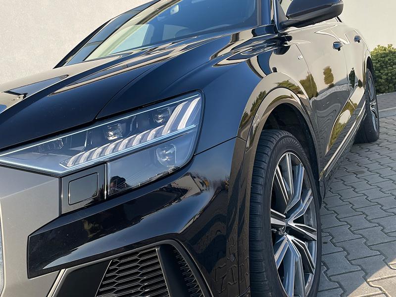 Audi Q8-3