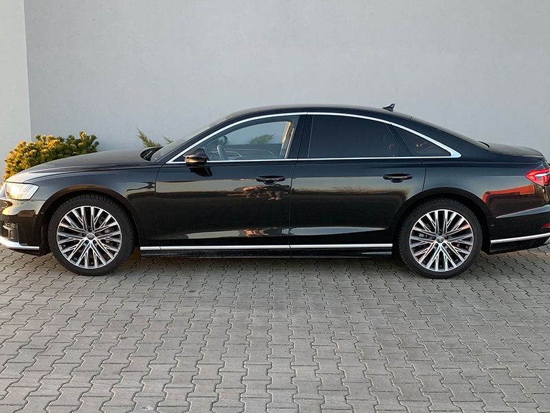 Audi A8-2