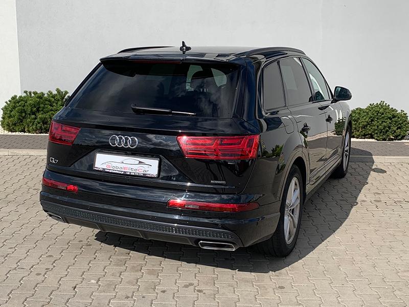 Audi Q7 II S-LINE-1