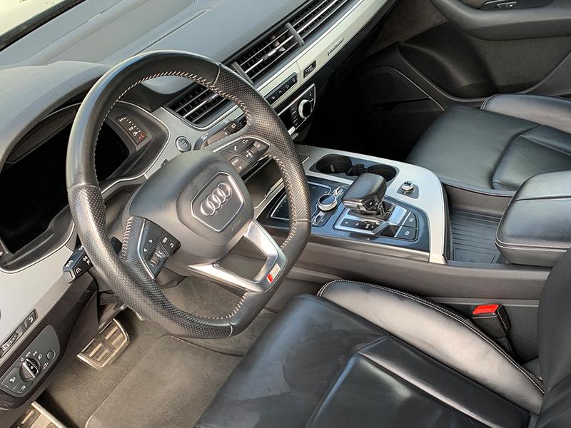 Audi Q7 II S-LINE-5