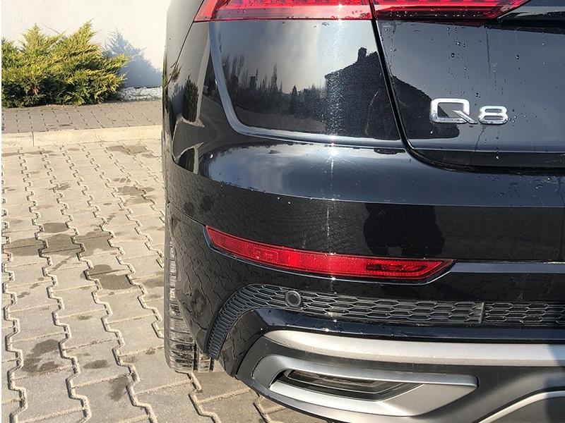 Audi Q8-4