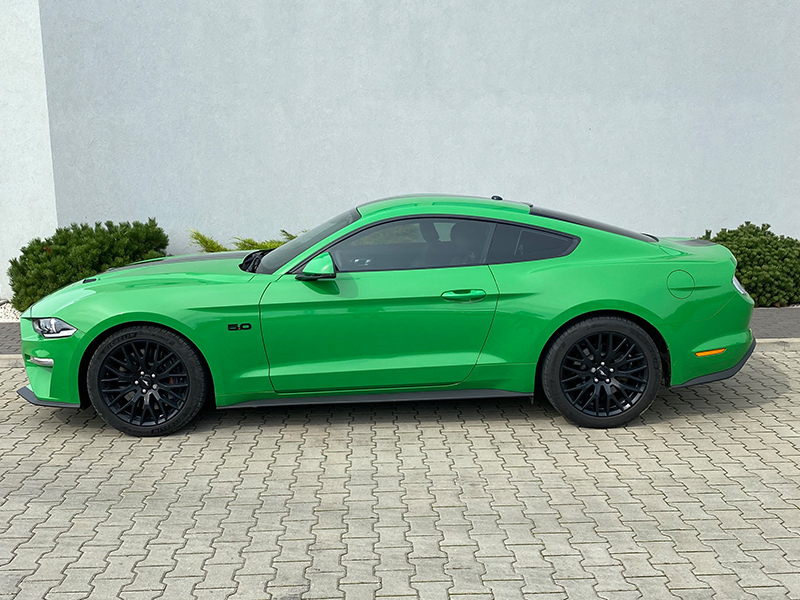 Ford Mustang GT- 2
