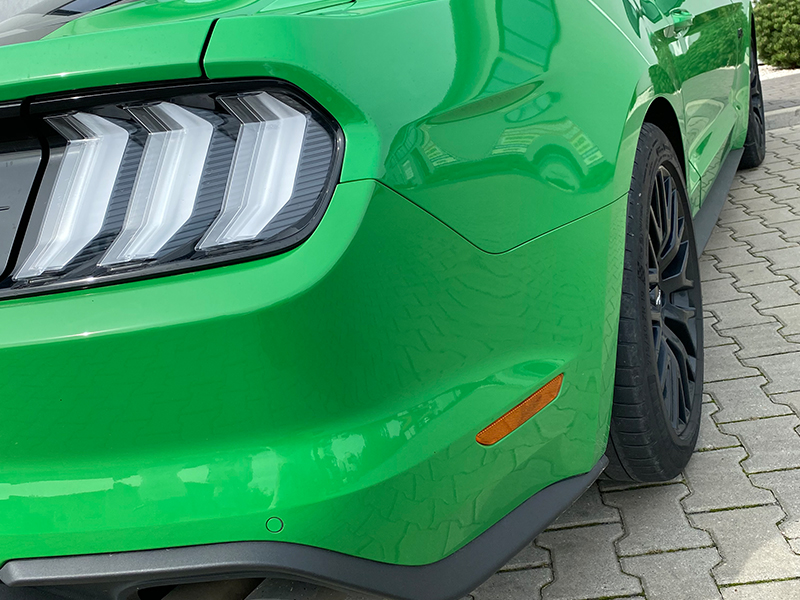 Ford Mustang GT- 4
