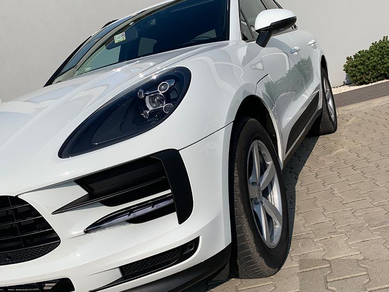 Porsche Macan-3
