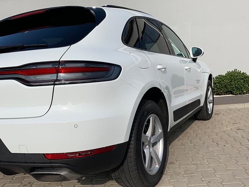 Porsche Macan-4