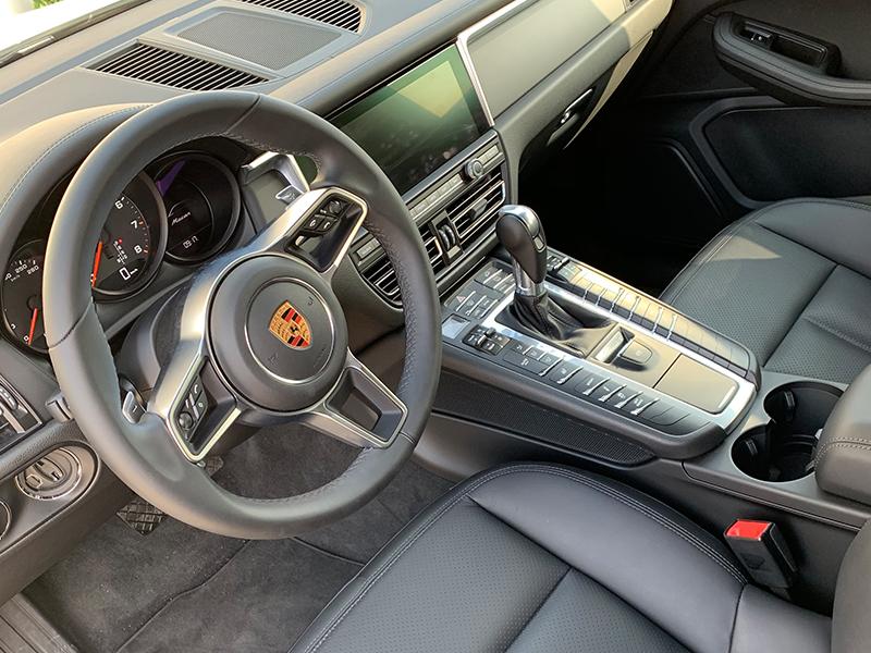 Porsche Macan-5