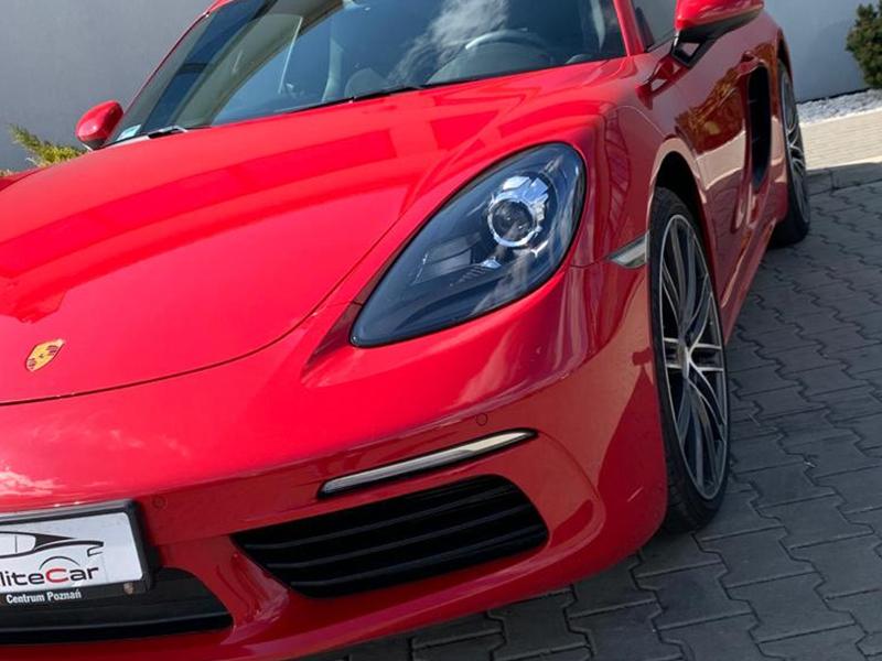 Porsche Cayman 718-3