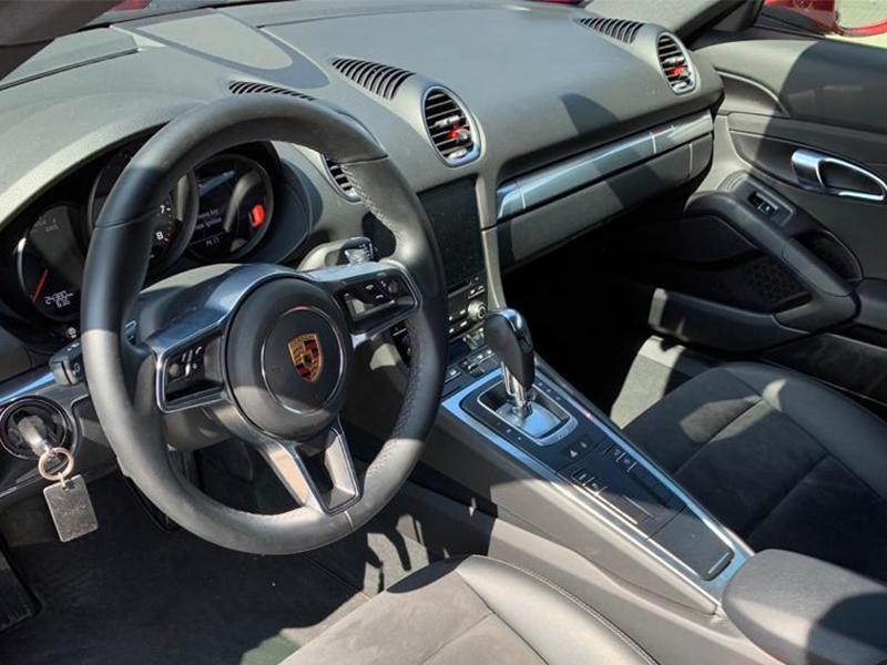Porsche Cayman 718-5