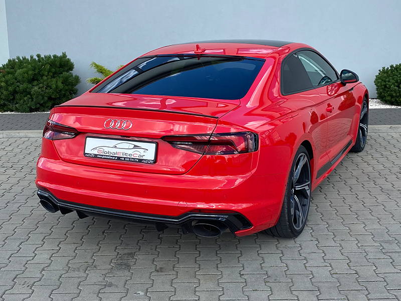 Audi RS5-1