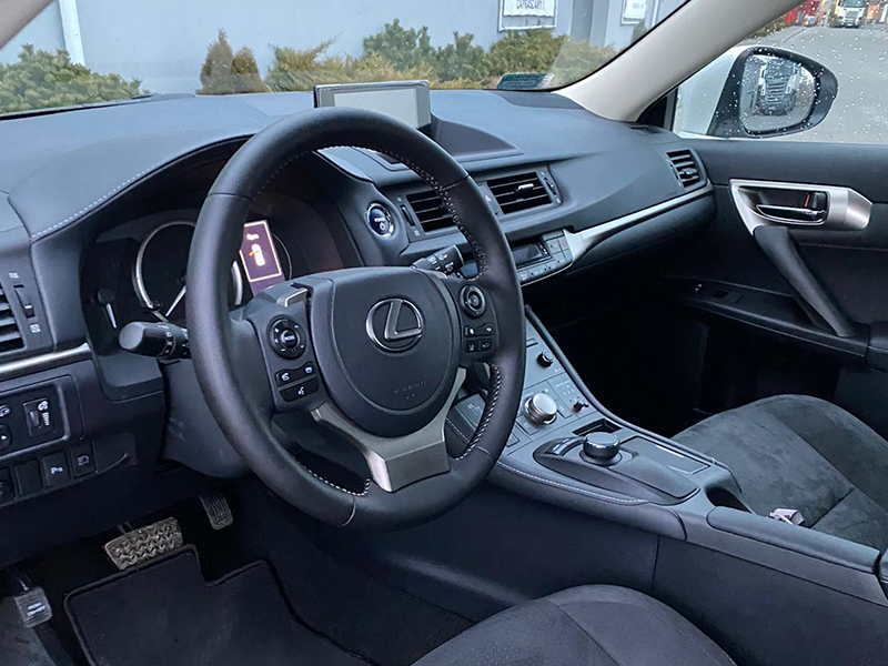 Lexus CT200 H- 6