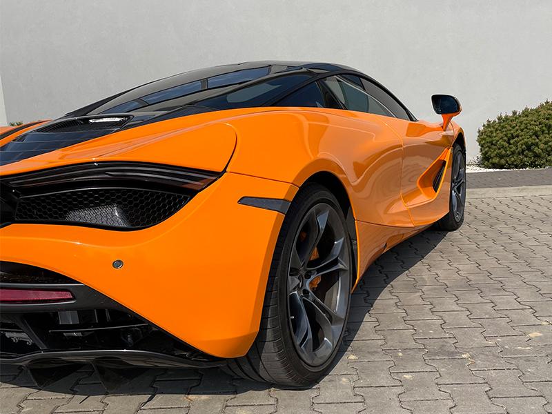 McLaren 720 s- 6